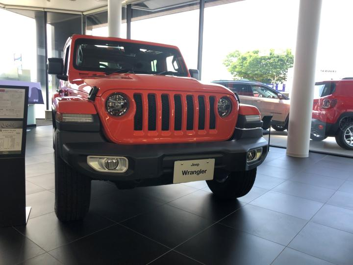 Wrangler(JL) Unlimited Sahara 2.0L Sky One-Touch Power Top