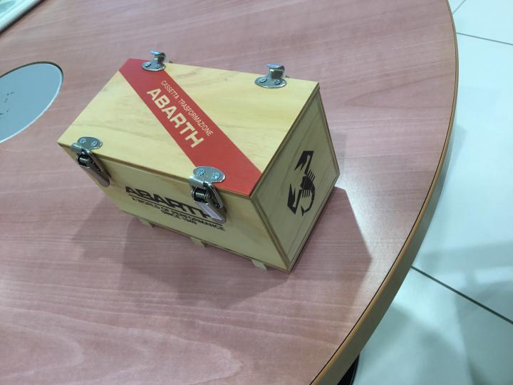 アバルトコンテナーBOX