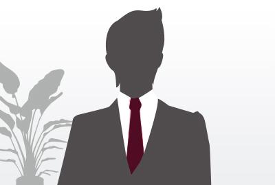 副店長 兼 サービスマネージャー 富山 栄