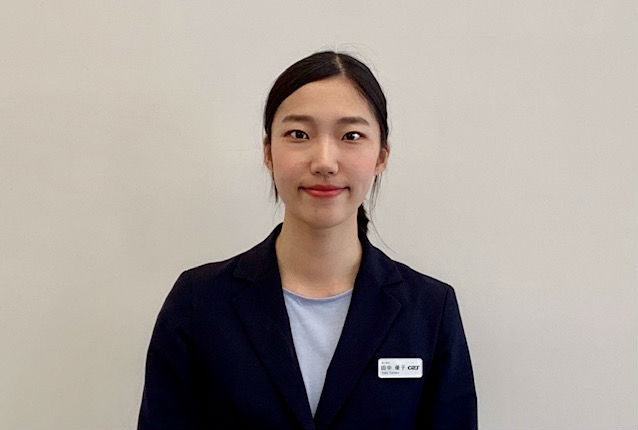 セールススタッフ 田中 優子