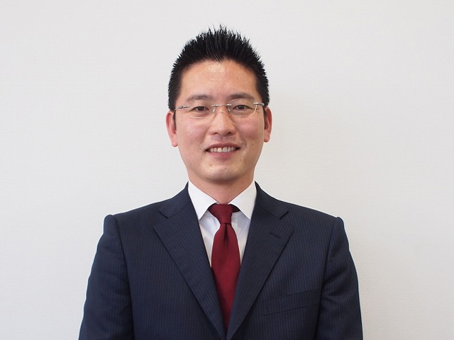 サービスアドバイザー 坂本 智行