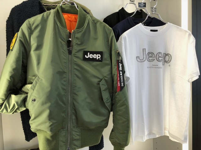 Jeep×ALPHA INDUSTRIED MA-1   Jeep×Black by VANQUSH T-Shirts