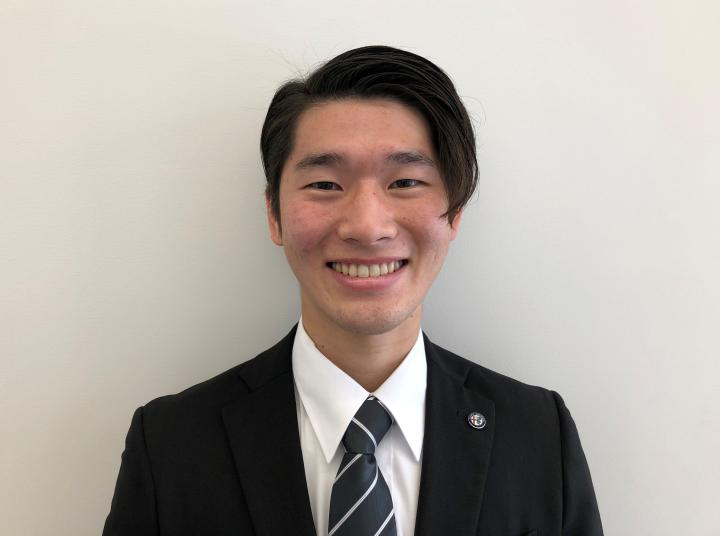 セールススタッフ 岩田 柾