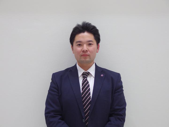 セールススタッフ 山本 裕介