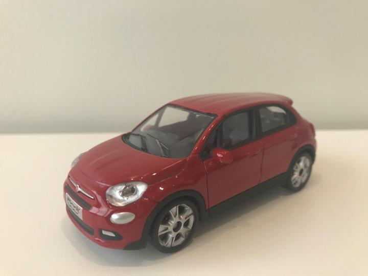 FIAT 1/43 500X
