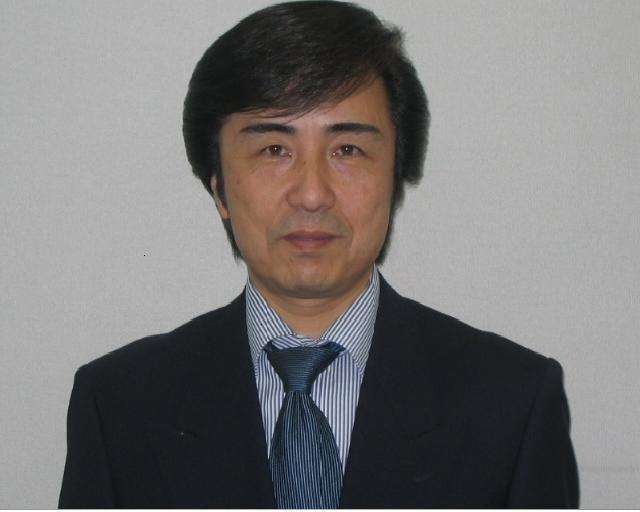 サービス部長/フロント 井上 浩則