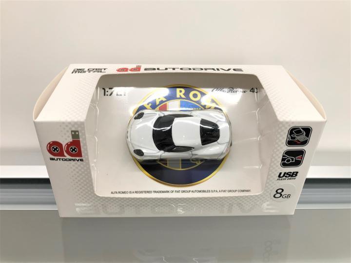 4C USBメモリ(8GB)