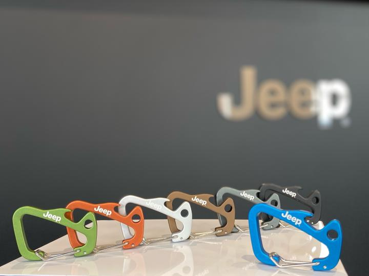 Jeep®×Trimmers SHARK TAIL CARABINER