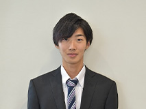セールススタッフ 山口 颯斗