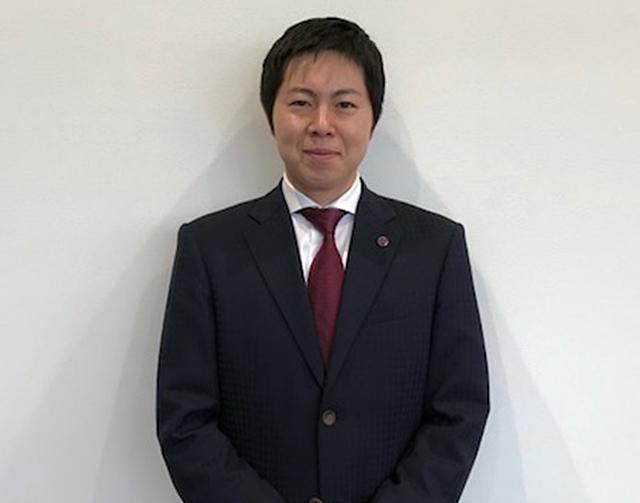 店長 / セールスマネージャー 阿部 蔵馬
