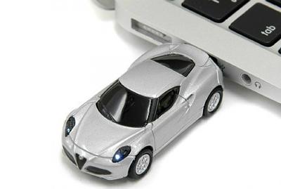 Alfa Romeo 4C USBメモリ シルバー(8GB)