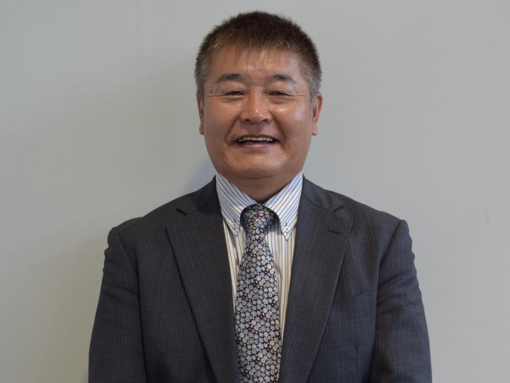 セールススタッフ 炭田 明弘