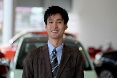 セールススタッフ 村田 晋悟