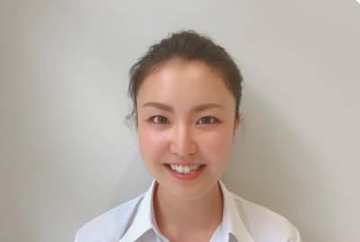セールススタッフ 島田彩夏