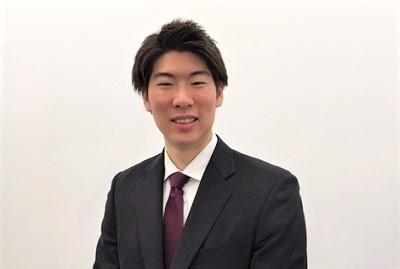 セールススタッフ 山田 勝太
